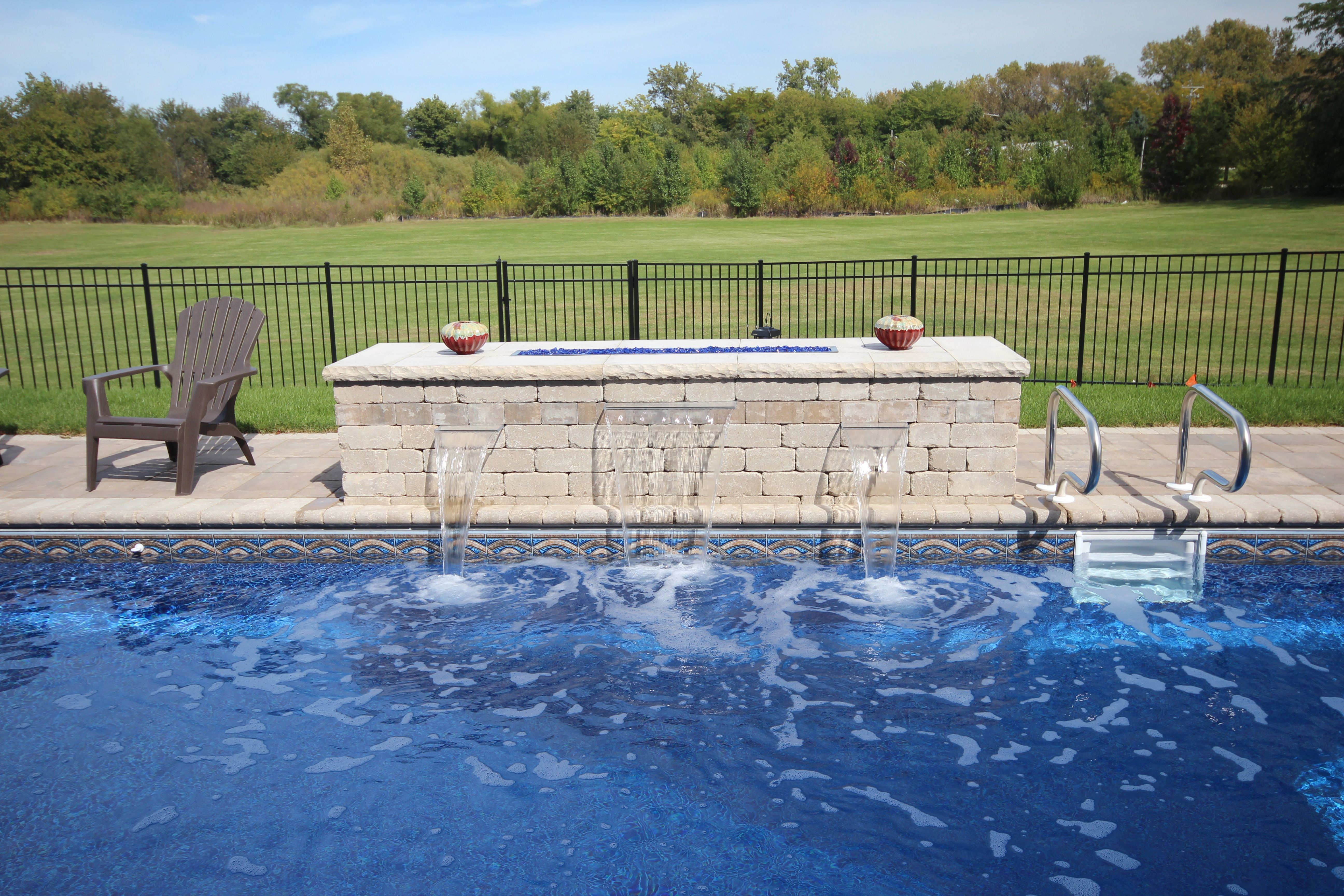 This Is A 15 X 32 Rectangle With Polymer Walls And A Vinyl Liner The Pool Includes A Coverstar Automatic Pool Cover And F Pool Water Features Aqua Pools Pool