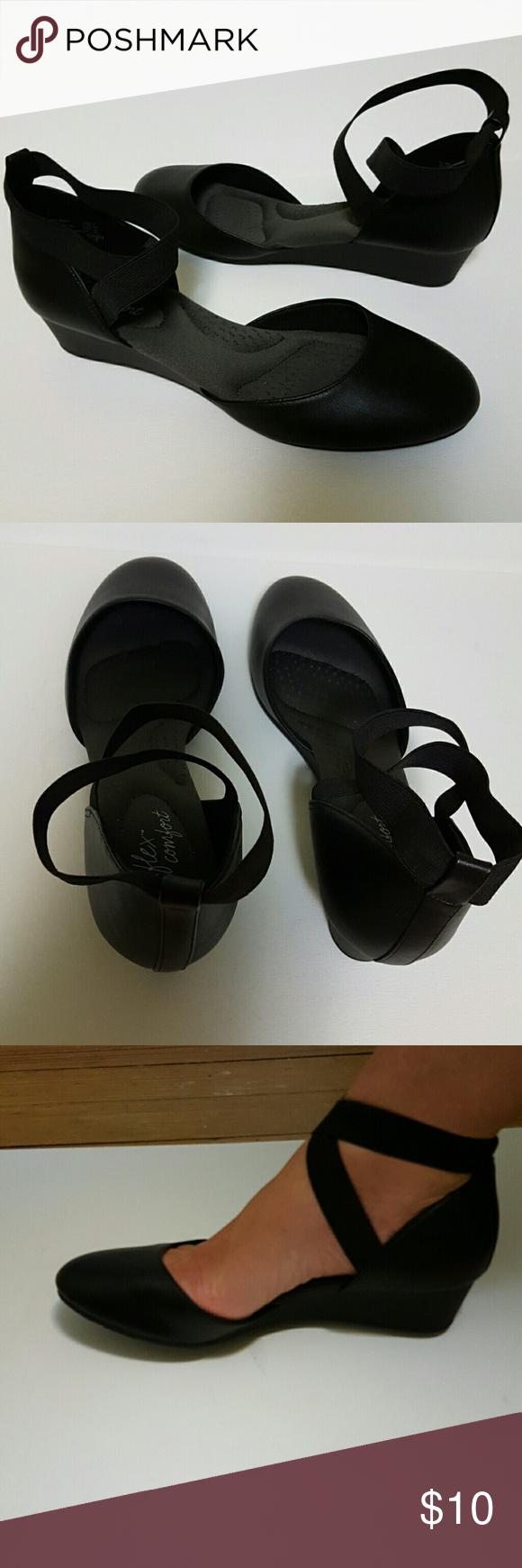 9f4ddd7921bd Dexflex Comfort Shoe NWOT. Black. Elastic Criss Cross Ankle Strap.  Cushioned Insole Dexflex Comfort Shoes