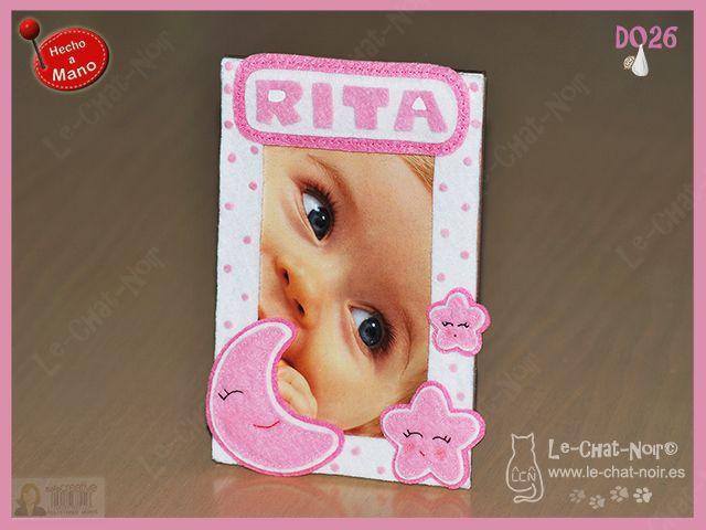 Marco para fotos recién nacido, personalizado con nombre. Hecho a mano. www.le-chat-noir.es/desvan #bebe #baby #babyshower #nacimiento #bautizo #handmade https://www.facebook.com/pages/Le-Chat-Noir-Hecho-a-mano/113710975370328