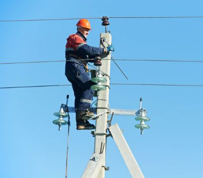 WOOD ELECTRIC INC specializes in electrical service. We guarantee the most reliable service to everybody in La Luz, NM. Call us at (575) 430-3713.