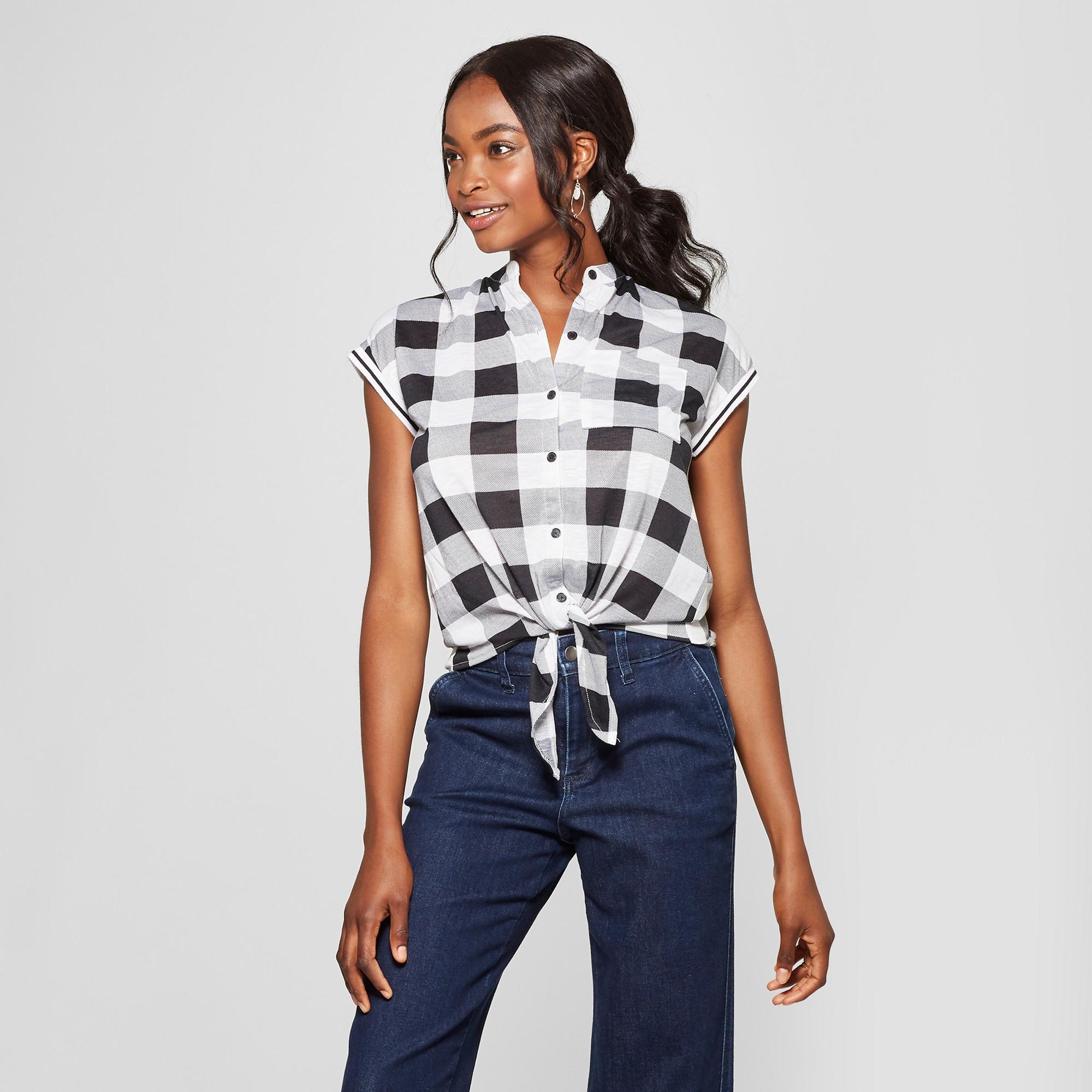 406e8e49 Women's Plaid Short Sleeve Tie Front Button-Down Shirt - Almost Famous ( Juniors') Black/White XL