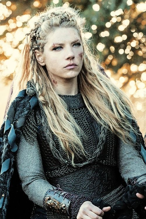 Katheryn Winnick As Lagertha A Powerful And Well Known Shield