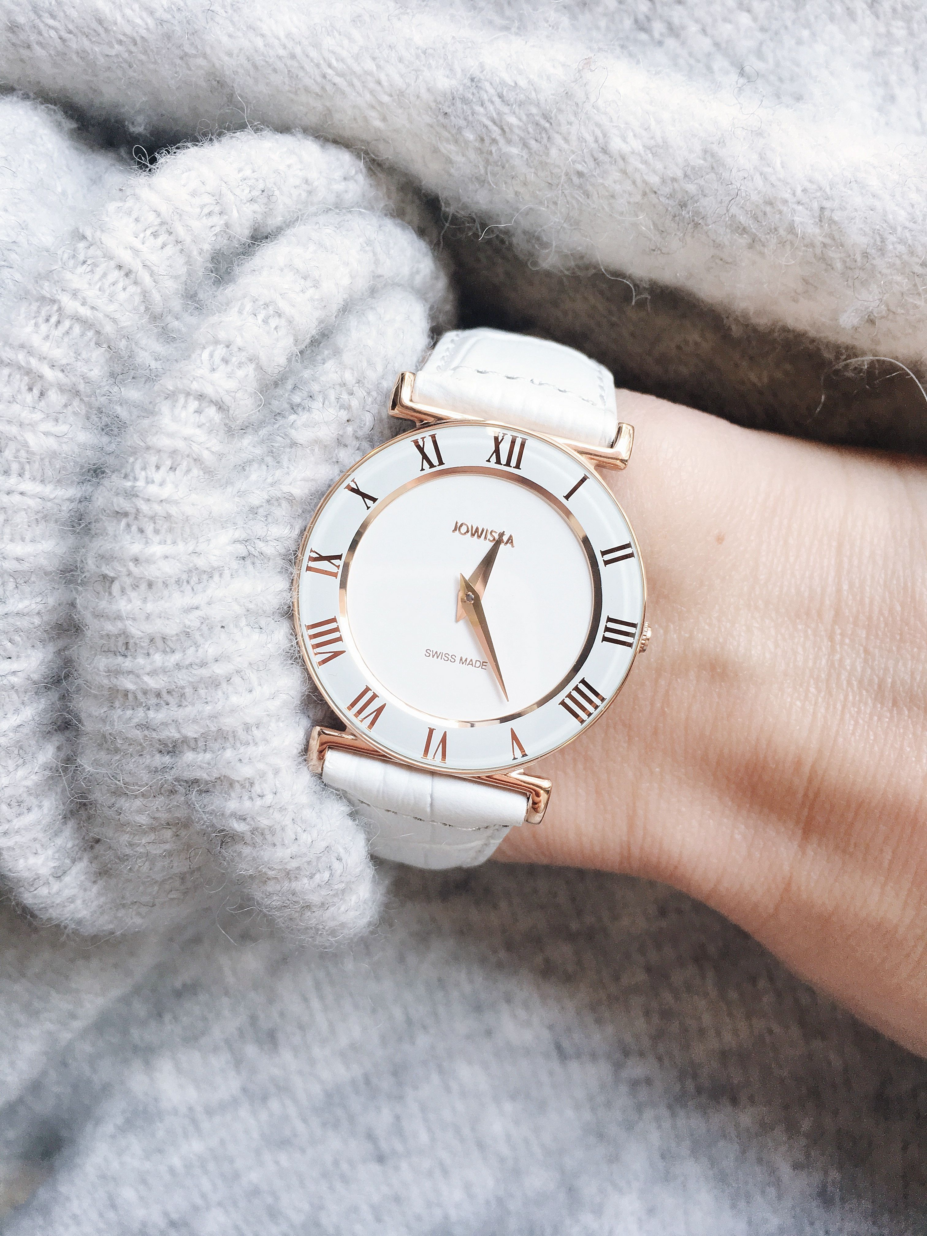a895bf58735 Feel the vintage flair with our white Romo! - Jowissa watch ...