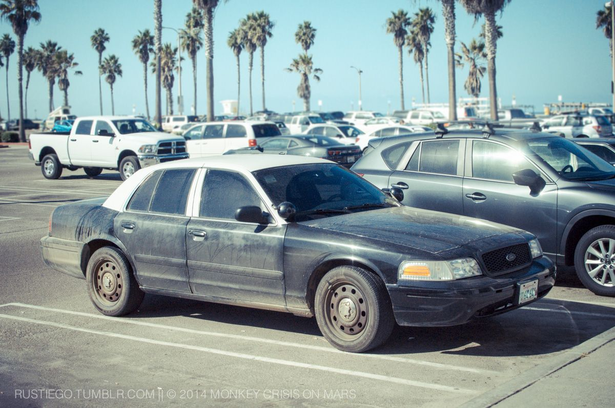 Second generation ford crown victoria police interceptor yes it s got cop tires cop suspensions and cop shocks but cali laws want you