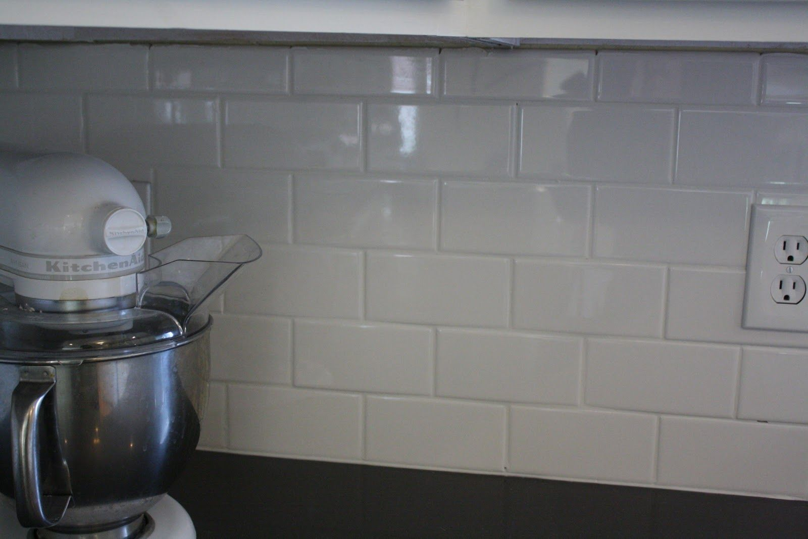 12 subway tile backsplash design ideas installation tips subway 12 subway tile backsplash design ideas installation tips dailygadgetfo Choice Image