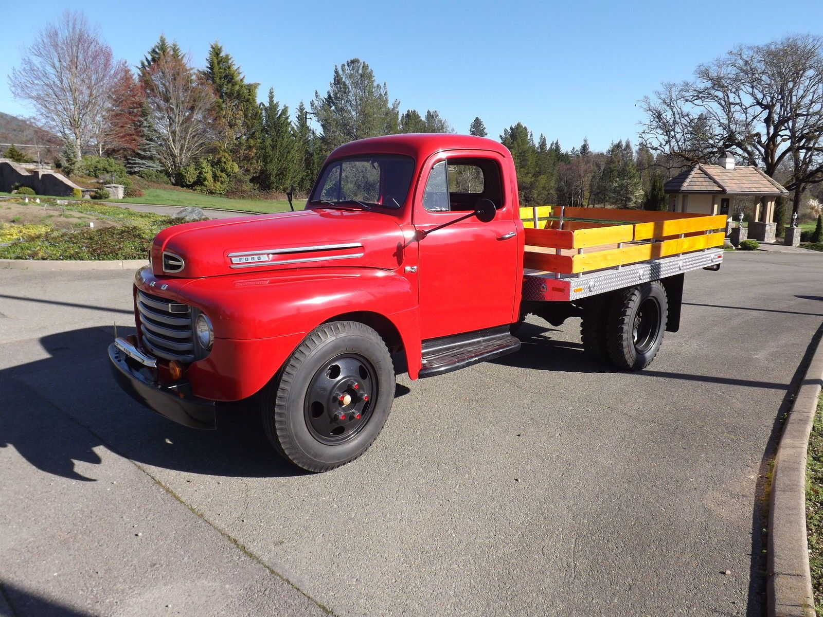 Beautiful 1948 ford f5 flatbed