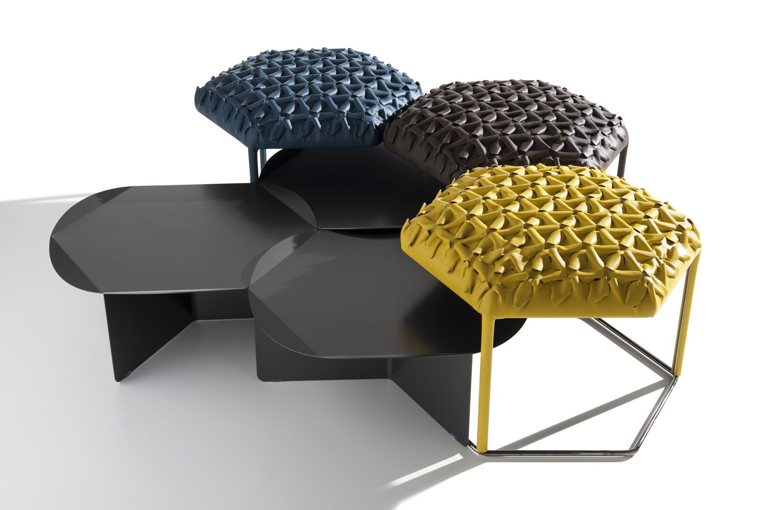Complements: HIVE – Collection: B&B Italia – Design: Atelier Oï