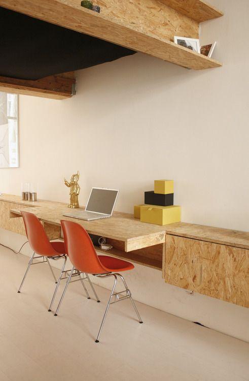 flexible Ablage und Arbeitstische an der Wand mit billigen OSB - wohnideen 30 qm