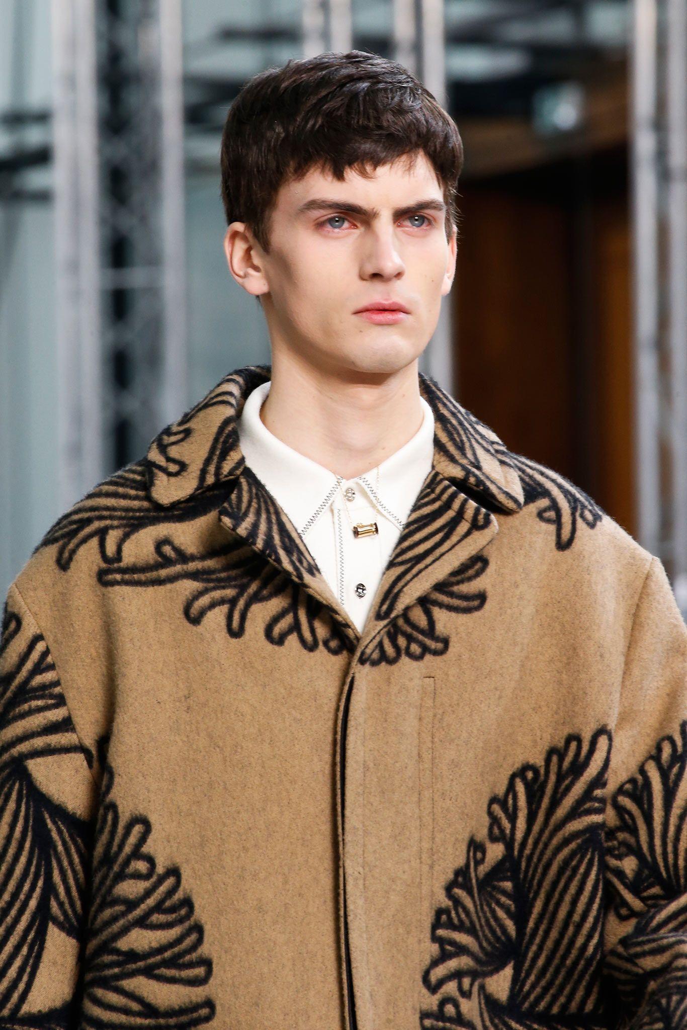 Louis Vuitton - Fall 2015 Menswear - Look 2 of 77