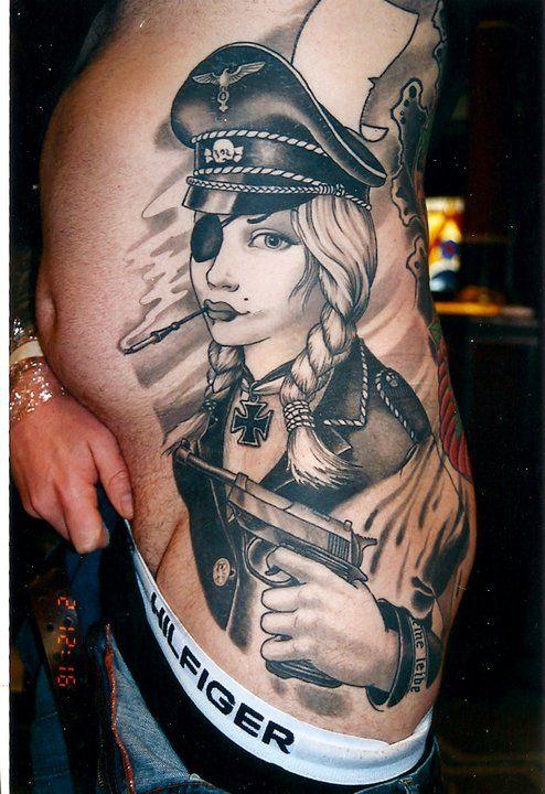 татуировки женщин в немецкой форме - 12