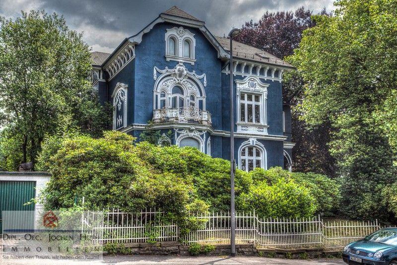 Villa in Cronenberg Front Viktorianisches haus