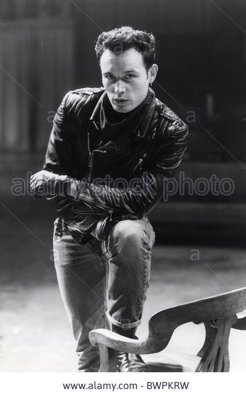 Pop Star Adam Ant In The Royal Exchange Theatre Manchester For The Production Of 'entertaining Mr Sloan'. Stock Photo