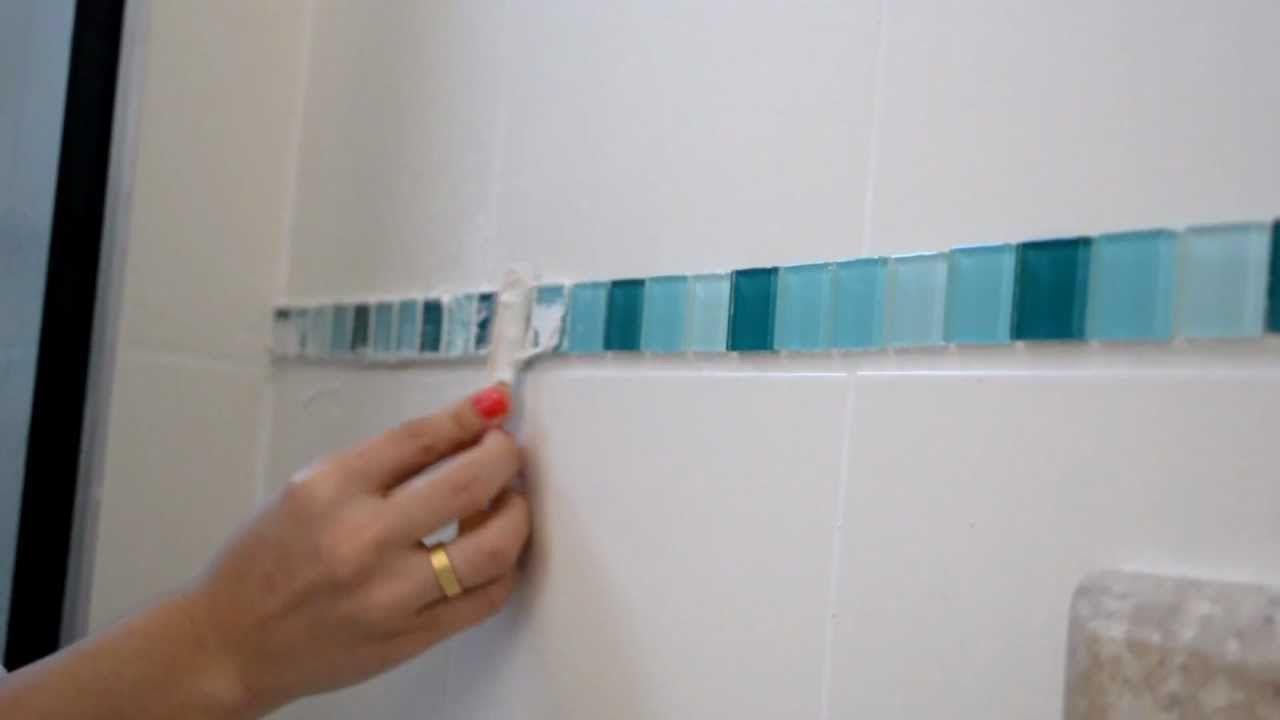 Como aplicar pastilhas de vidro sobre os azulejos usando - Como aplicar microcemento sobre azulejos ...