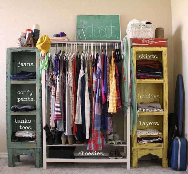 Great (and super cheap) organization idea! Think Iu0027ll be needing something like this if my next apartment has a small closet. & Great (and super cheap) organization idea! Think Iu0027ll be needing ...