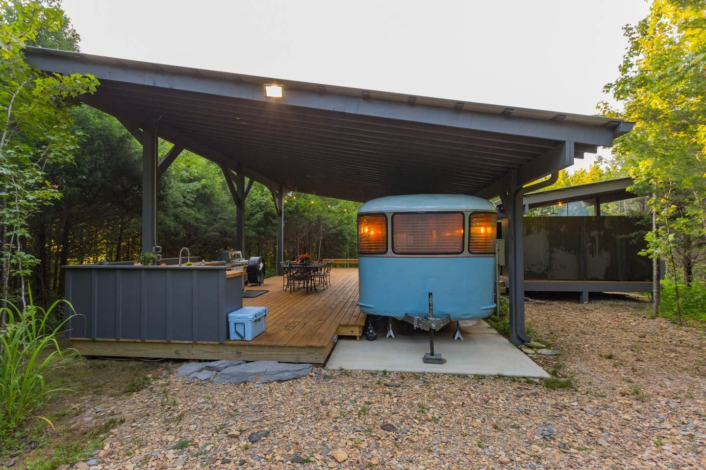 ♥︎ Dreamy ♥︎ Vintage Trailer at No.9 Farms - Campers/RVs for Rent in Ashland City, Tennesse