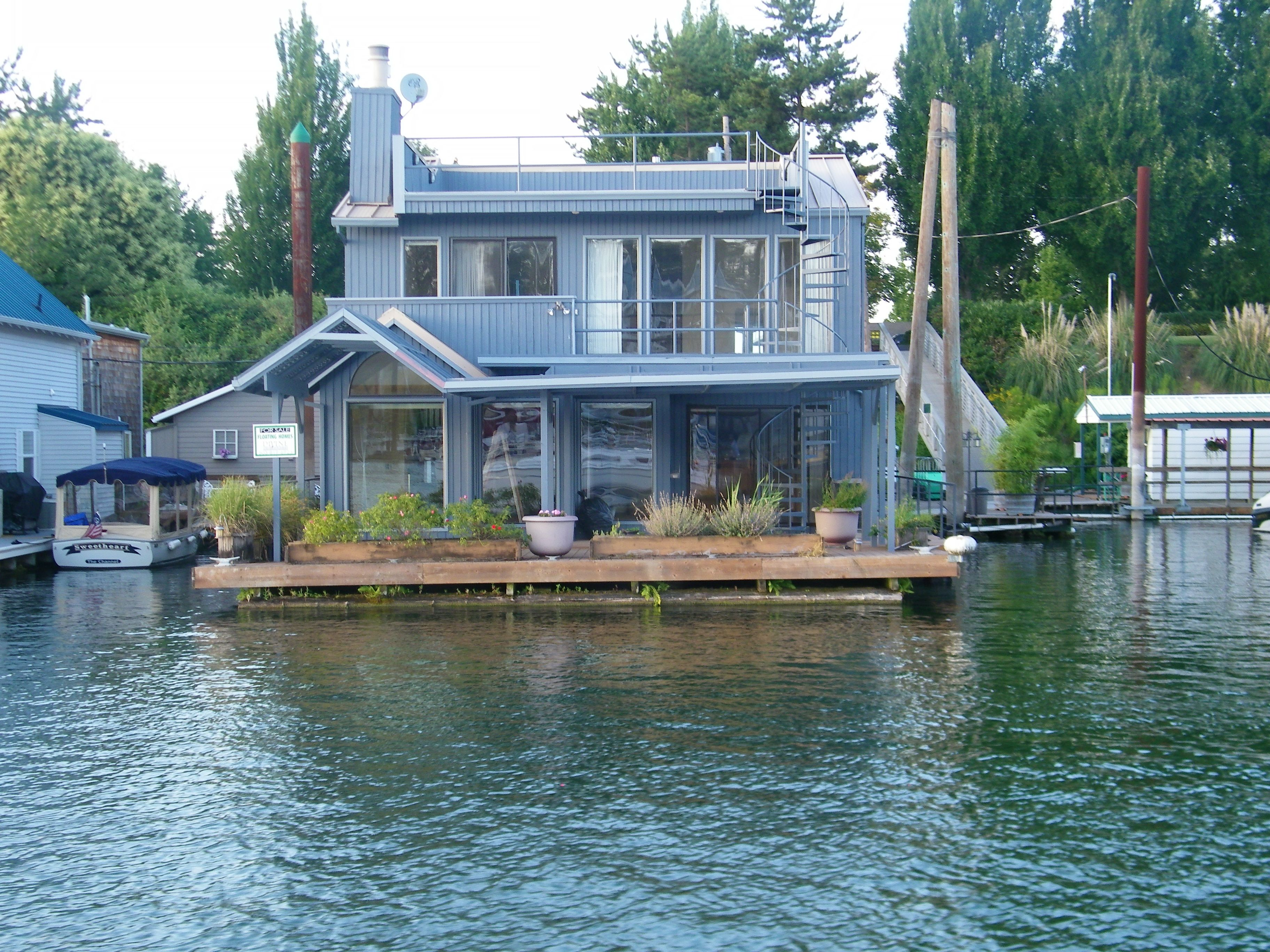 Floating Homes Google Search Floating House Portland Real