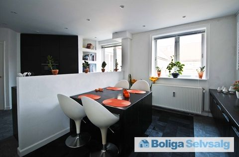 H.V. Rolsteds Vej 1, 4., 2450 København SV - Unik bolig på 150m2 med to ugenerte altaner med dejlig udsigt #københavn #københavnsv #andel #andelsbolig #andelslejlighed #selvsalg #boligsalg