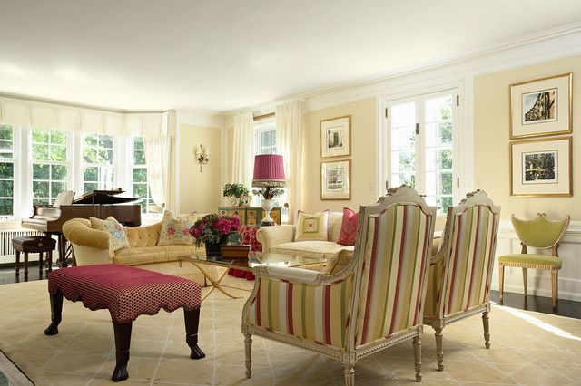 Pair Traditional Living Room D Cor With A Perfect White