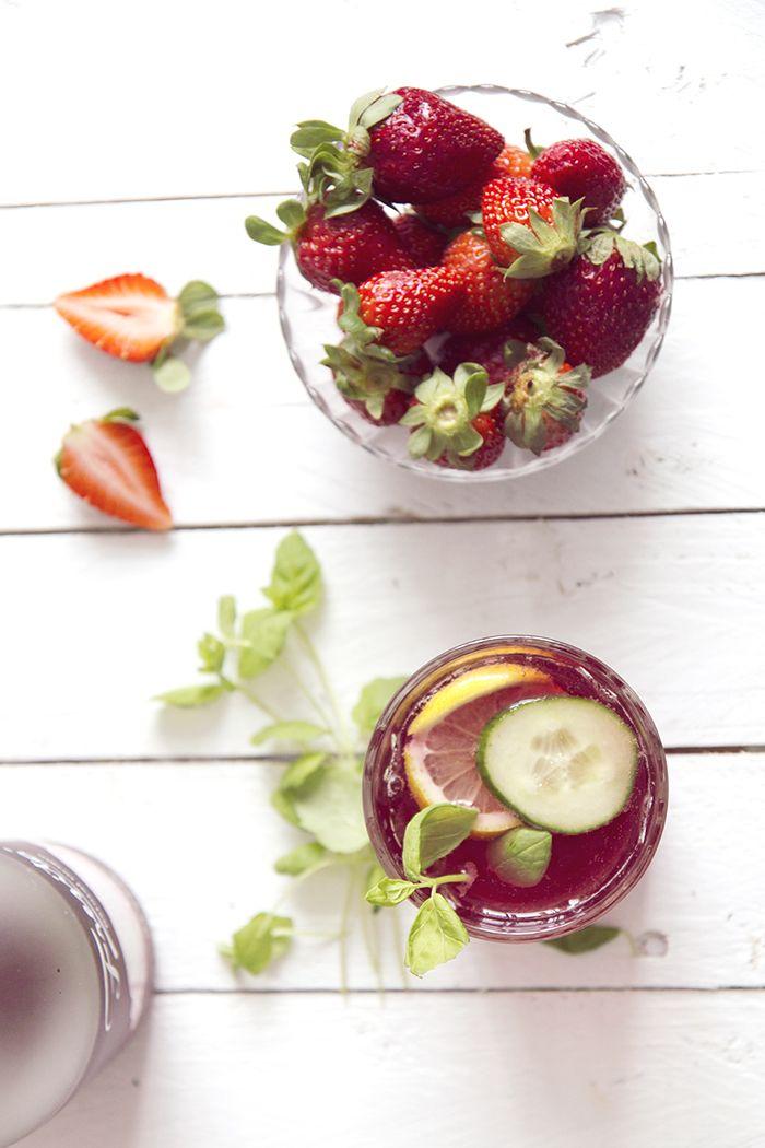 Strawberries - Kaikki mitä rakastin