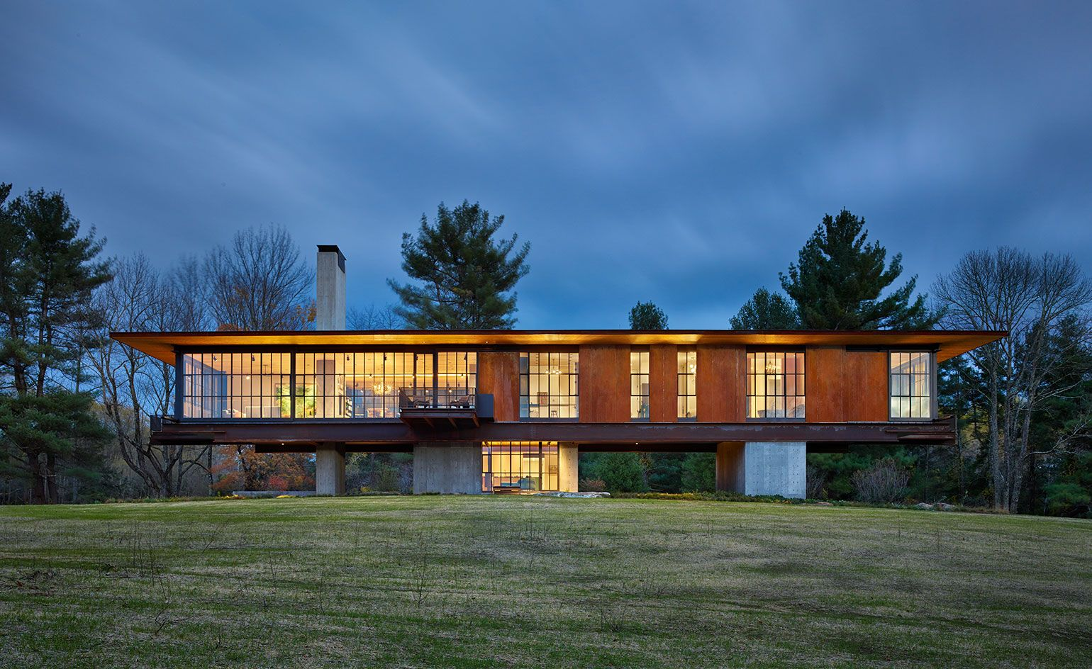 Open plan: a vacation home in the Berkshires becomes one with the ...
