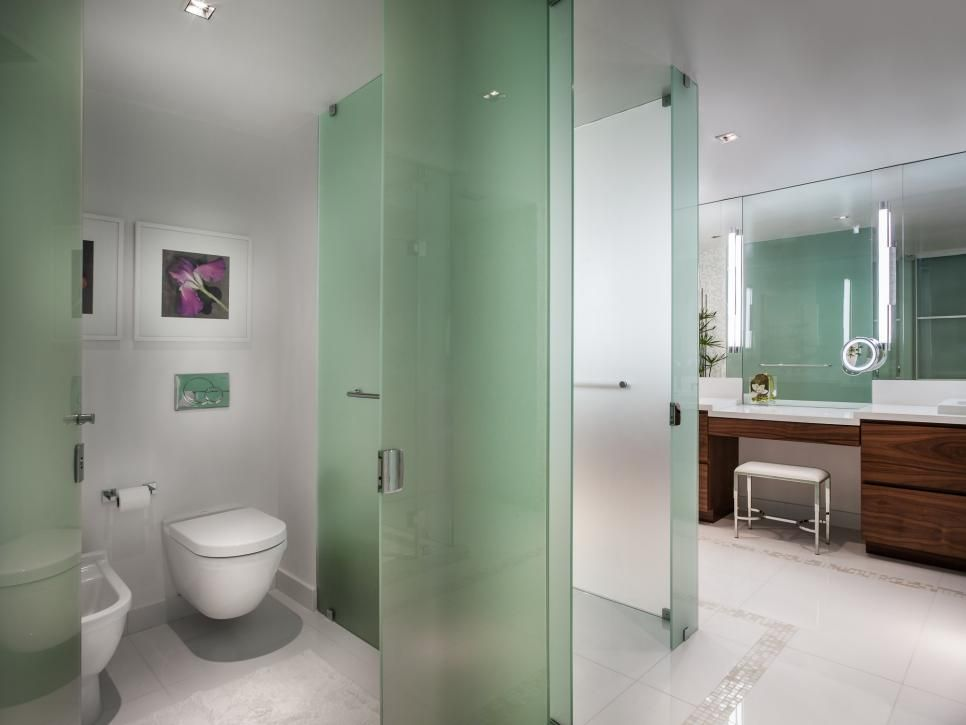 Partition For Bathroom Property Green Glass Makes For Sophisticated Partition Walls In The Master .