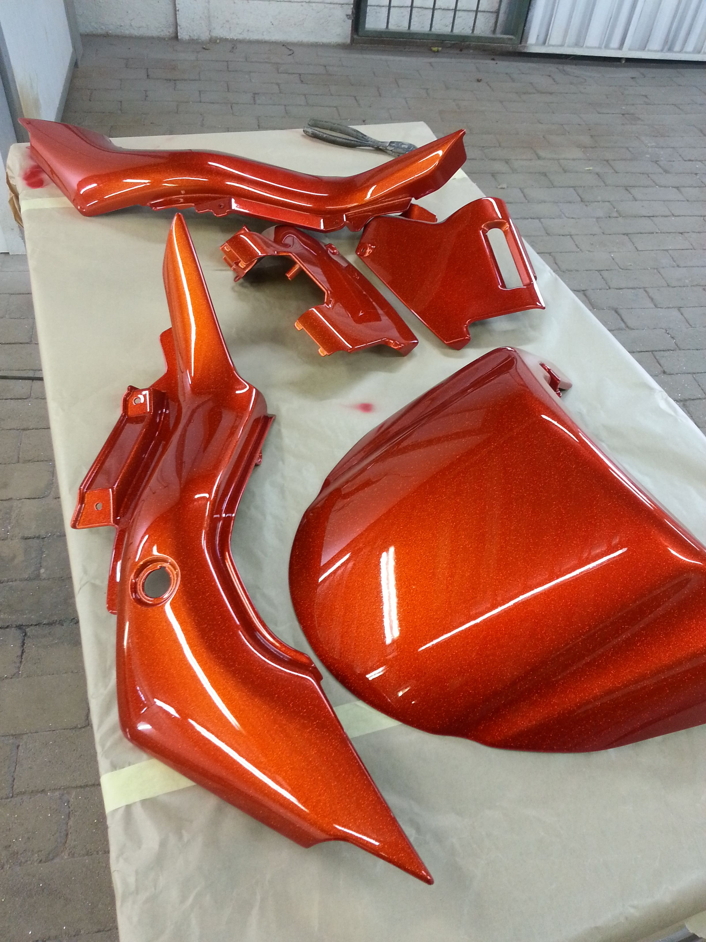 Candy Burnt Orange with a Flake Base sure gives any bike a juicy