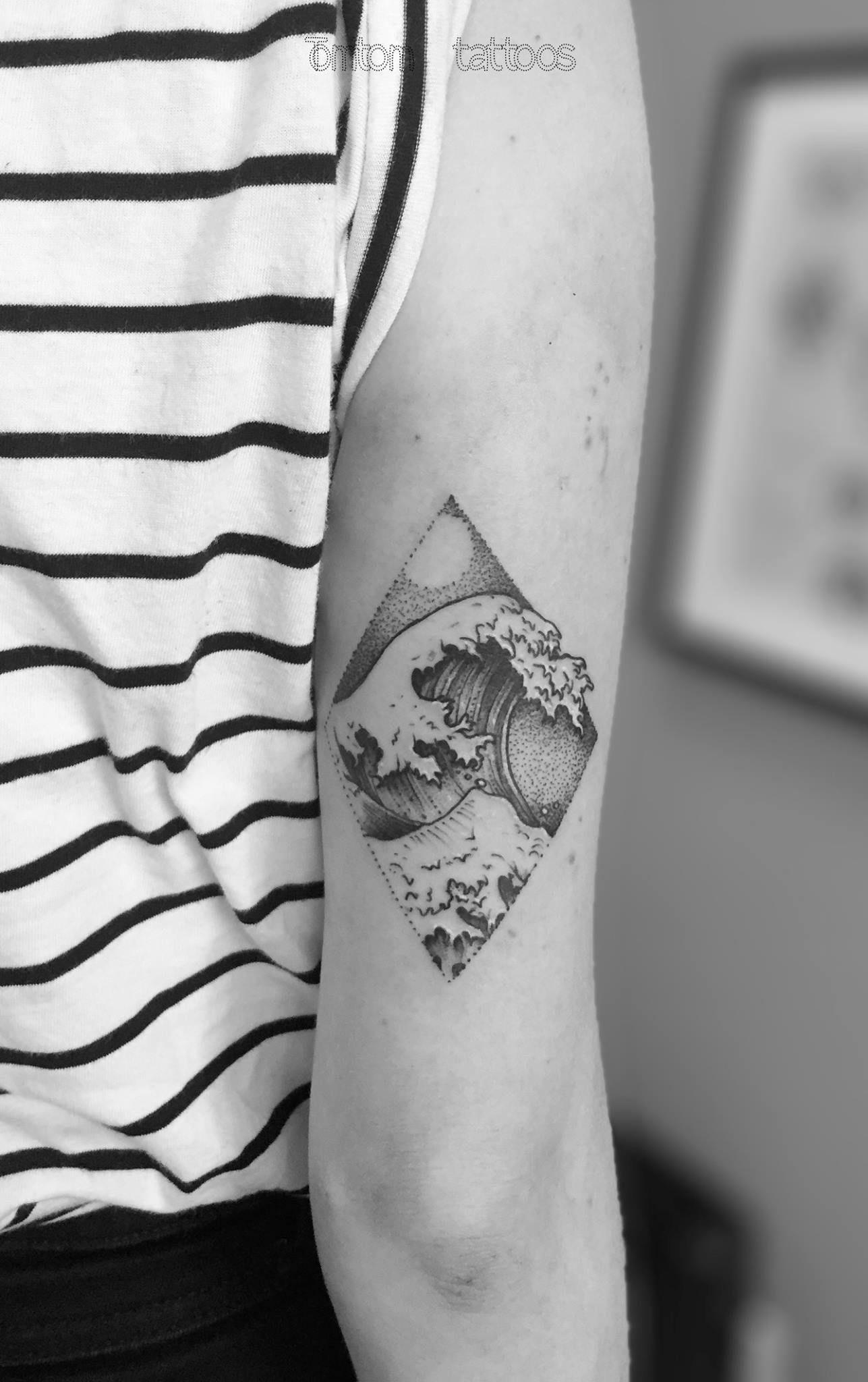 The Great Wave Tomtom Tattoos Tattoos Pinterest Tattoos