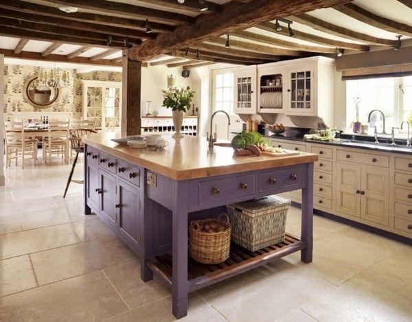 Isla de cocina de color violeta cocinas r sticas for Modelos de islas de cocina modernas
