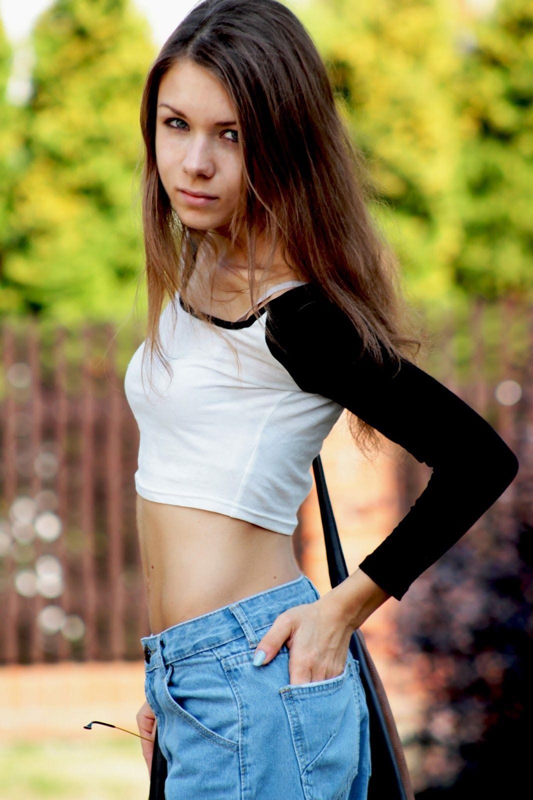 Pin By Werx On Bare Midriff Girls Dzinsy Chlopaka Krotki Top Top