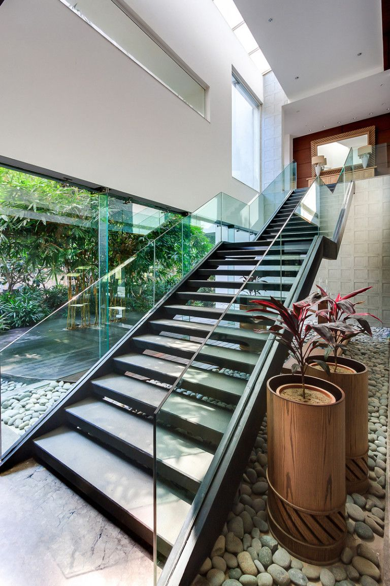 The Bridge House, located in New Delhi India, and designed by DADA ...