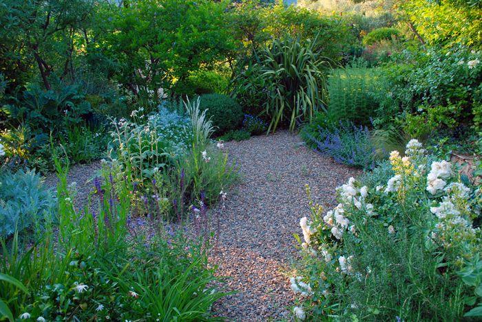 Giardino Pietra Rossa Sardegna : Mediterranean garden gravel garden la pietra rossa italy
