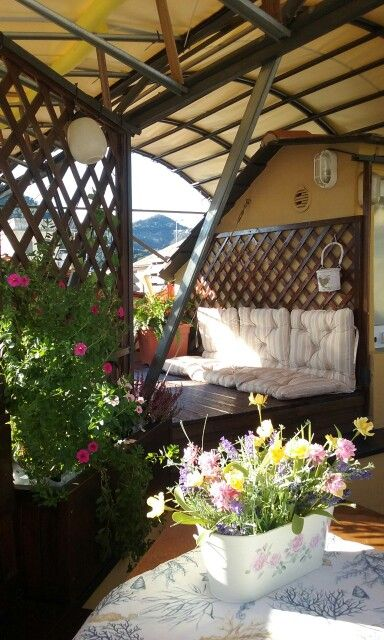 Terrazze fiorite | terrazze sui tetti | Pinterest | Walt disney