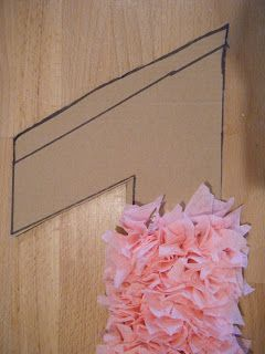 Makin' Projiks: Crepe Paper Streamer Birthday Wreath #21stbirthdaydecorations
