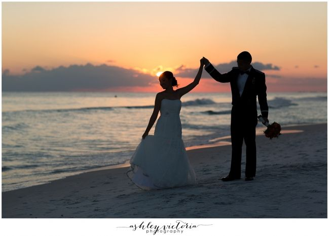 Destination-Wedding-Photographer#weddingplanner #weddingvenue #30A #30Aweddingplanner #30AWeddingvenue #fineart30Aweddings #seasideflwedding #santarosabeachflweddings #destinflweddings