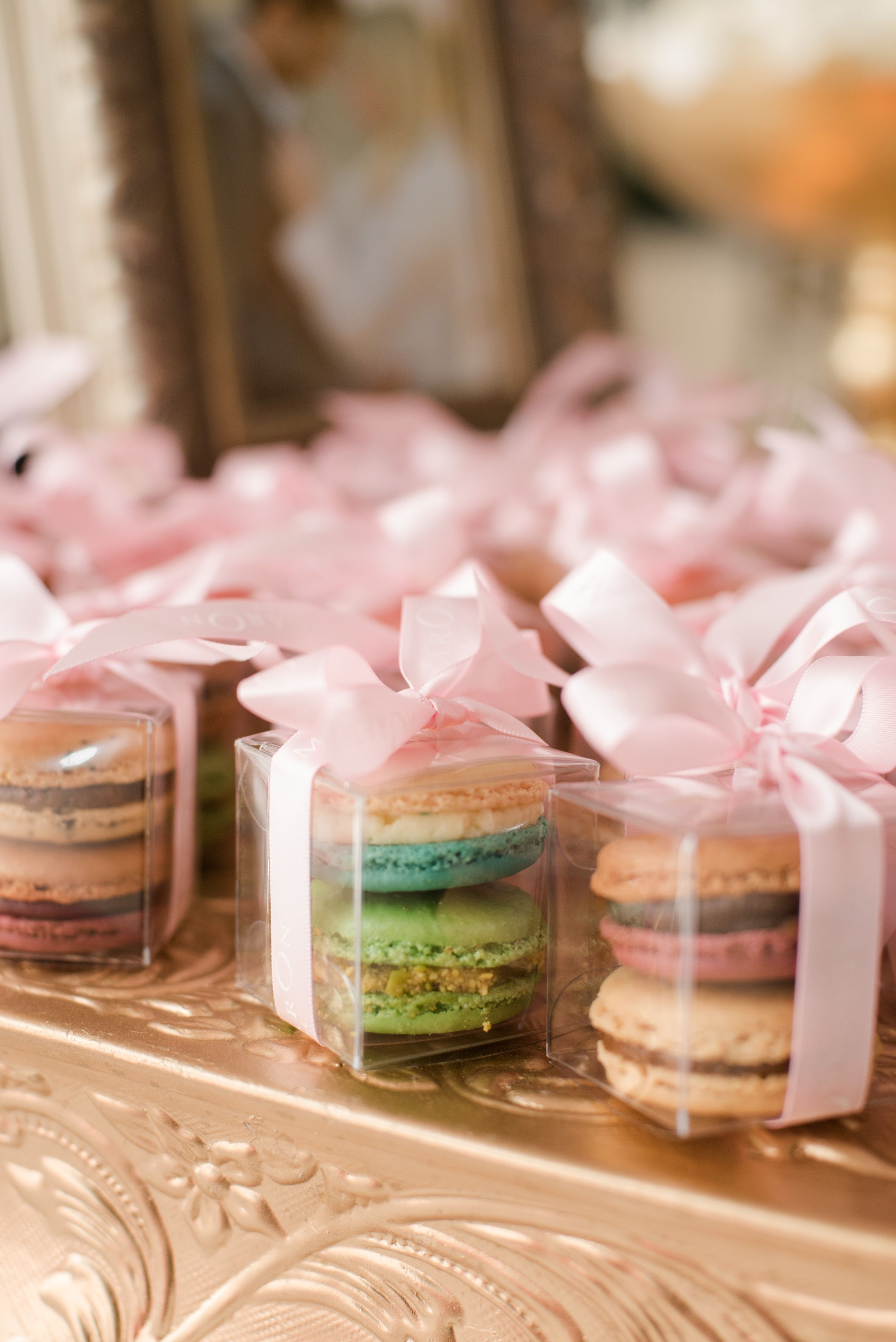 Are you trying to decide on wedding favors? As a wedding planner, I ...