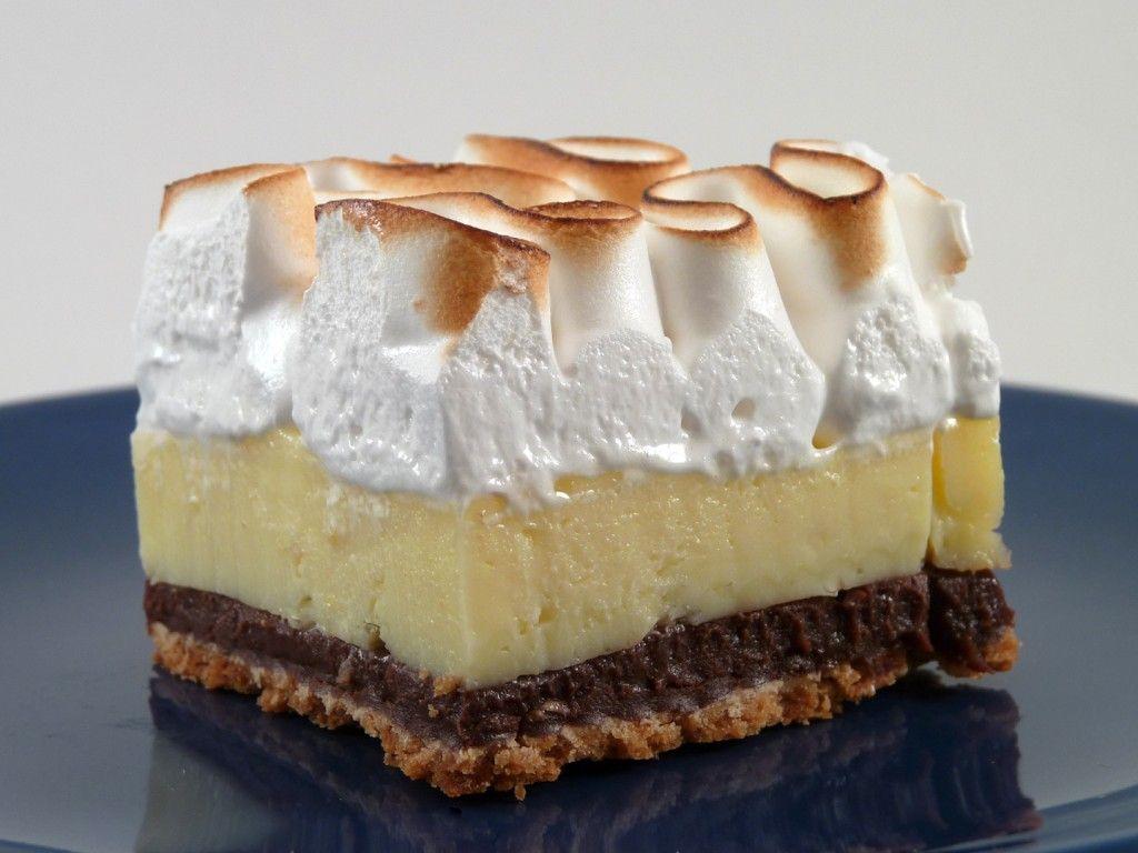 Lemon pie με σαντιγί σε διπλή στρώση μπισκότων digestive
