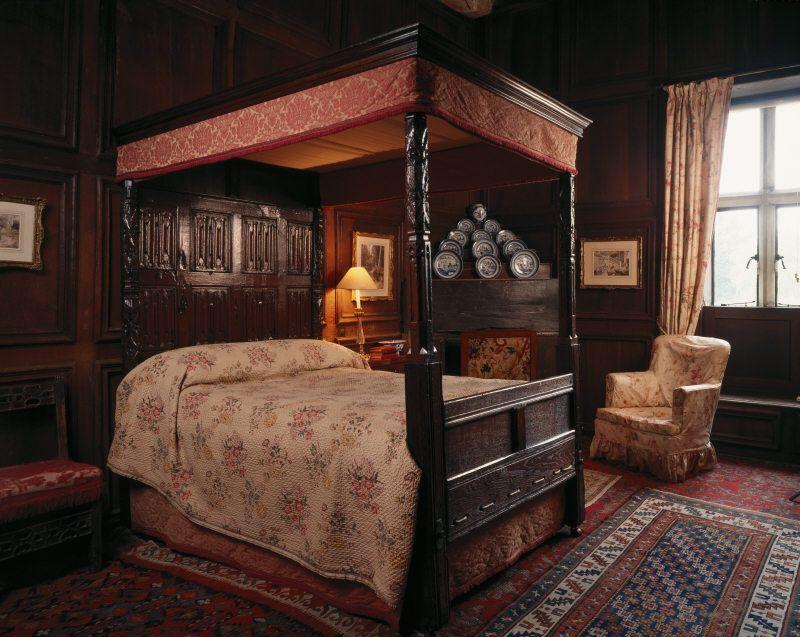 The English Ladye Photo Oak Bedroom English Interior British Interior