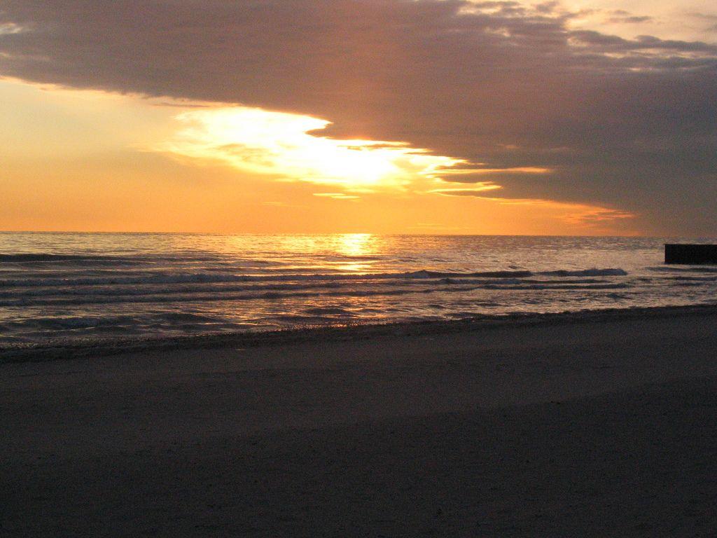Beautiful sunrise over Lee Street Beach in Evanston, IL