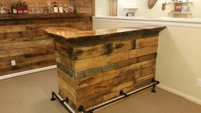 Pallet Wood Bar With Live Edge Slab Red Oak Top Wood Bar Top Wood Pallet Bar Basement Bar Designs