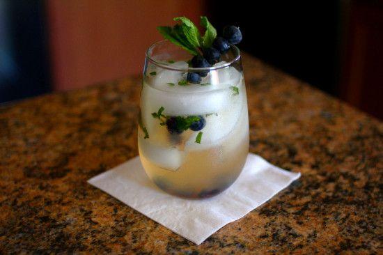 Sparkling Blueberry-Basil Lemonade Recipe #basillemonade