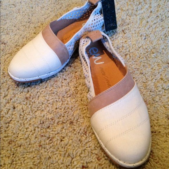 EMU natural loafer - Never worn Natural color loafer - NWT attached Shoes Flats & Loafers