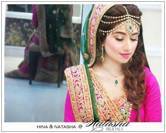 Mehndi Bridal With Matha Patti : Maatha patti bindya natasha salon shocking pink green