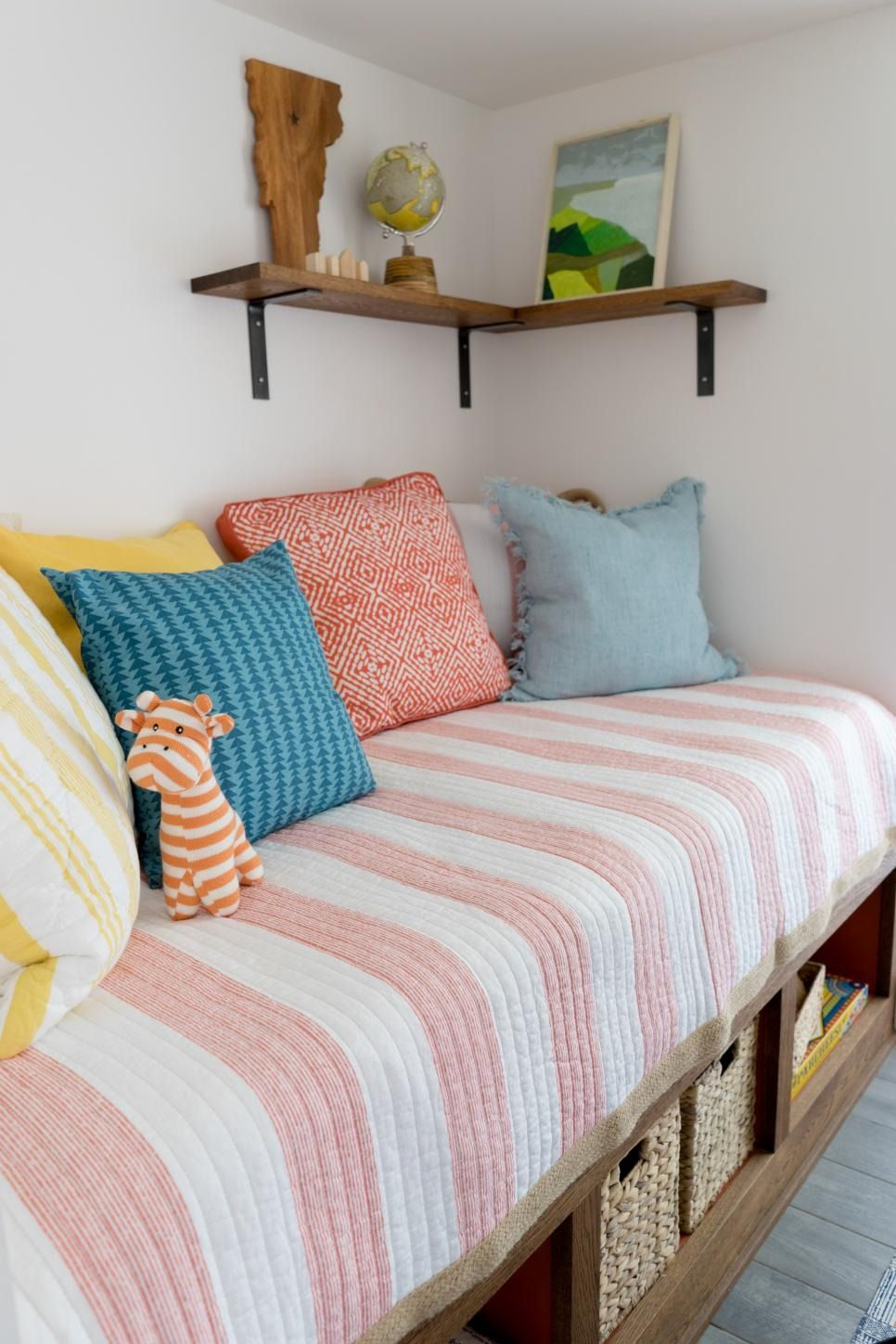Sleeping Nook Pictures From DIY Network Ultimate Retreat