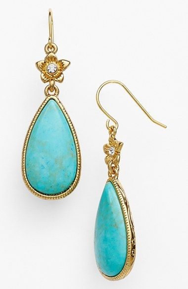 lovely drop earrings http://rstyle.me/n/nydsvr9te