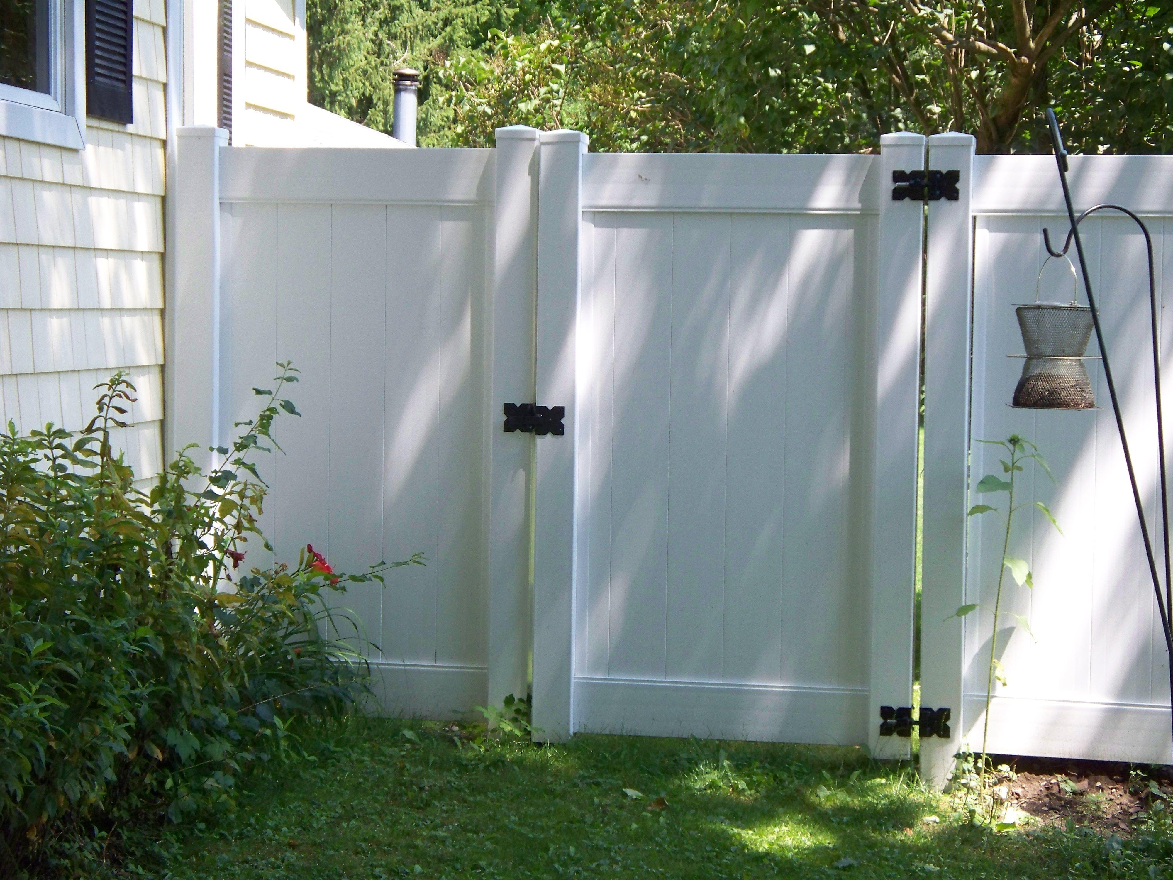 Tall White Vinyl Fence White Vinyl Fence Vinyl Fence Backyard Makeover