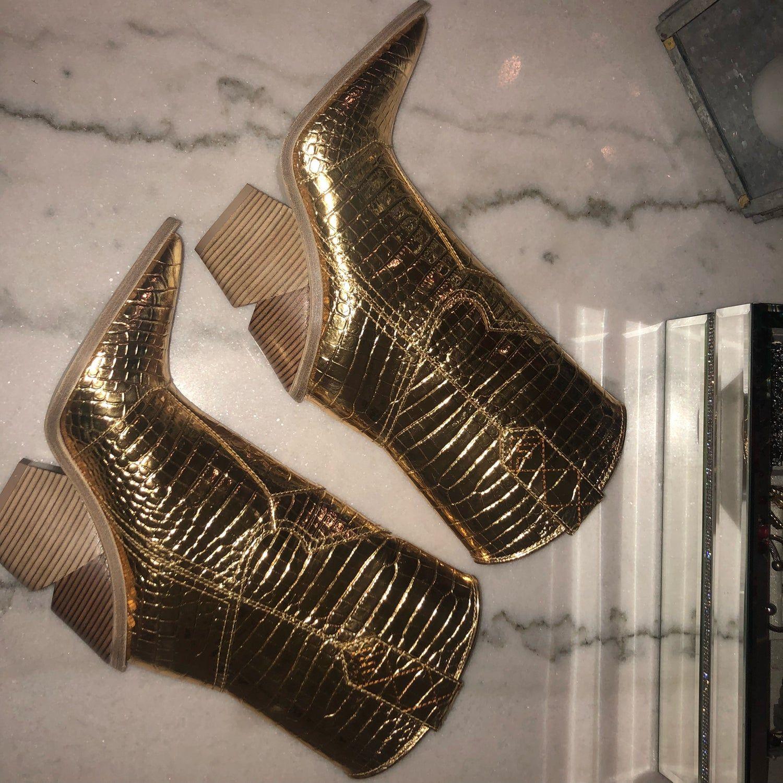 FENDI COWBOY BOOT (GOLD METALLIC