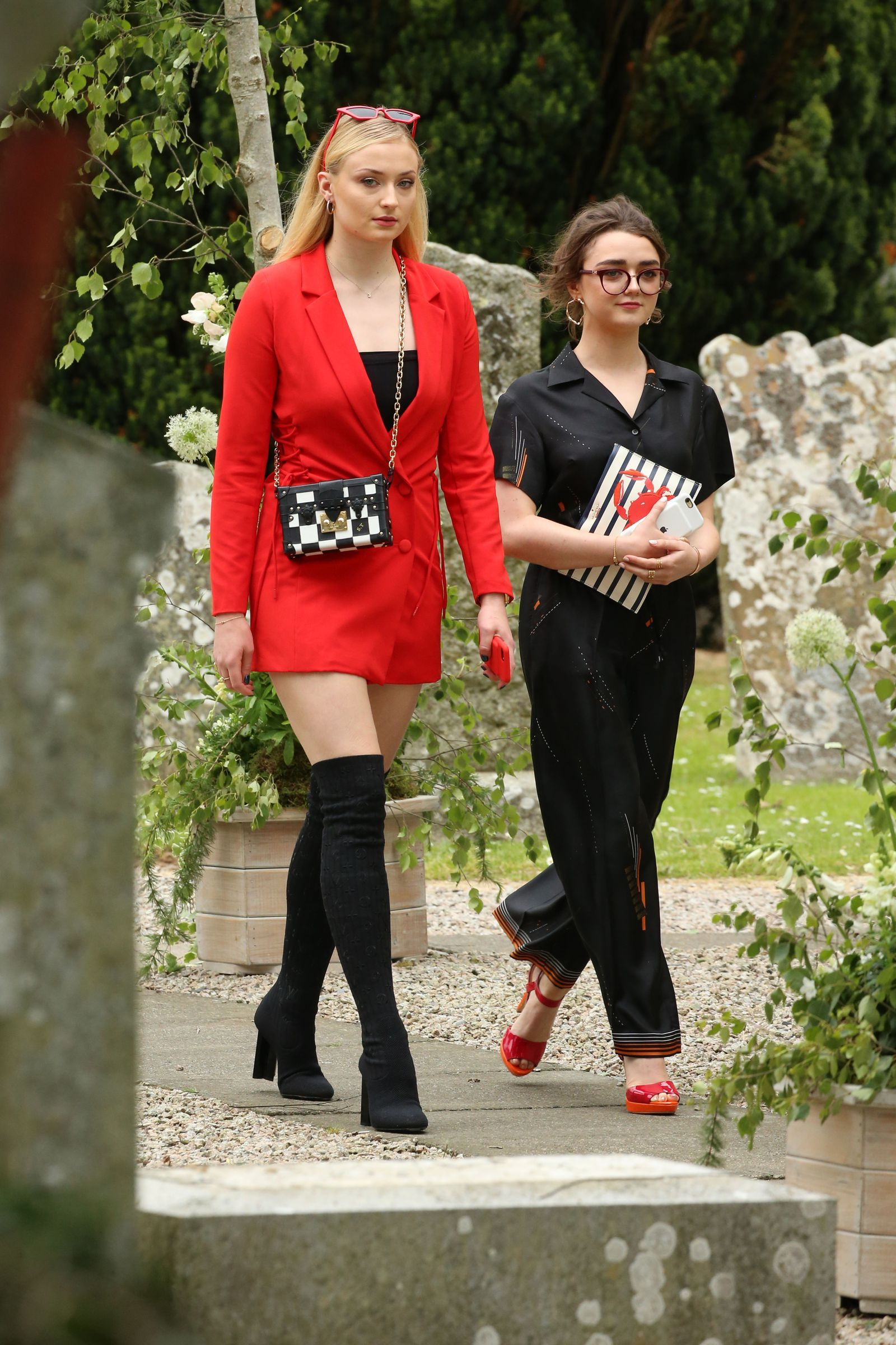 Sophie Turner and Maisie Williams Wore Matching Outfits to ...