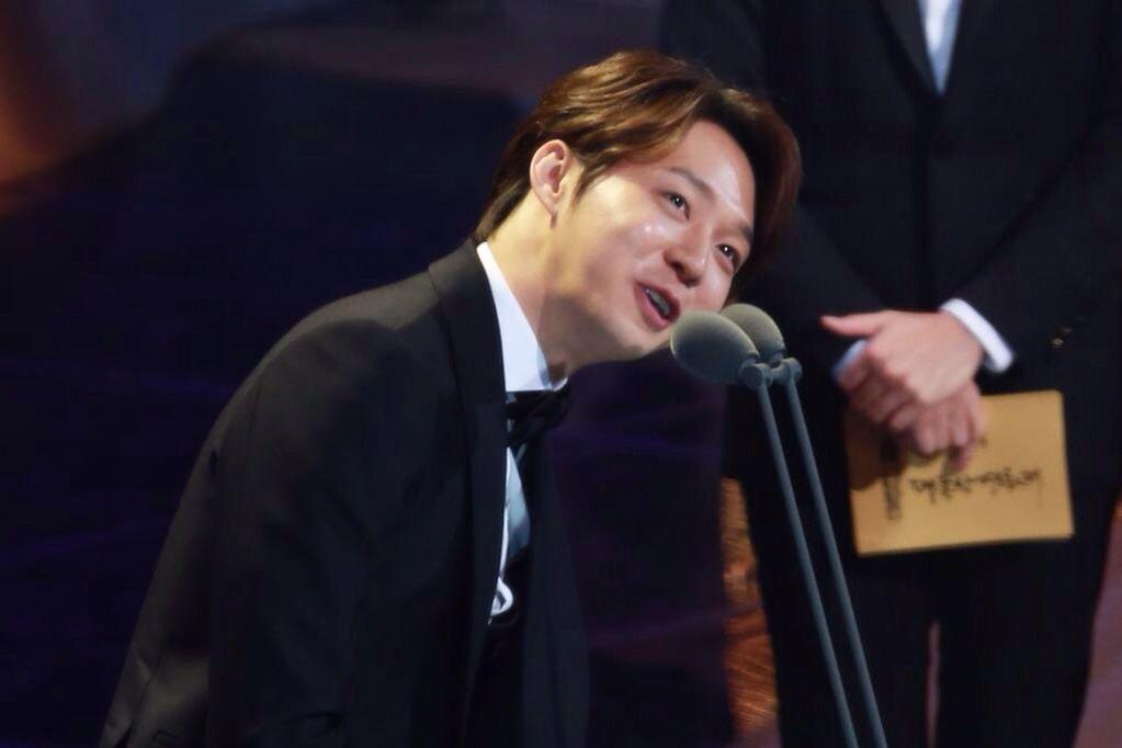 "21November2014 Park Yuchun Wins ""Best New Male Actor"" Award at the 51st Daejong Film Festival CR.好吧爱你我怕了"