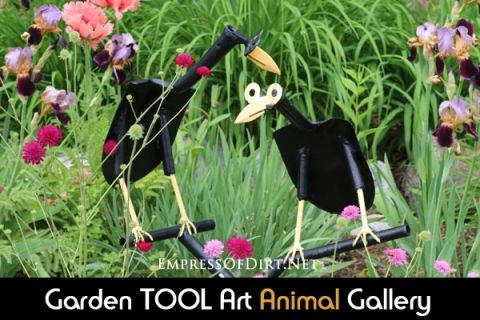 Garden+Tool+Art+ANIMAL+Ideas+-+super+cute+garden+art+made+from+old+shovels,+hammers,+clippers,+and+more!