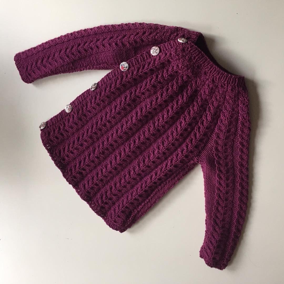 «• SNONINGSTRØJE • Klar for ny eier✔️ #snoningstrøje #dropsbabymerino #strikkedilla #strikkerpåbestilling #knittersofinstagram #instaknit #knitinspo123»
